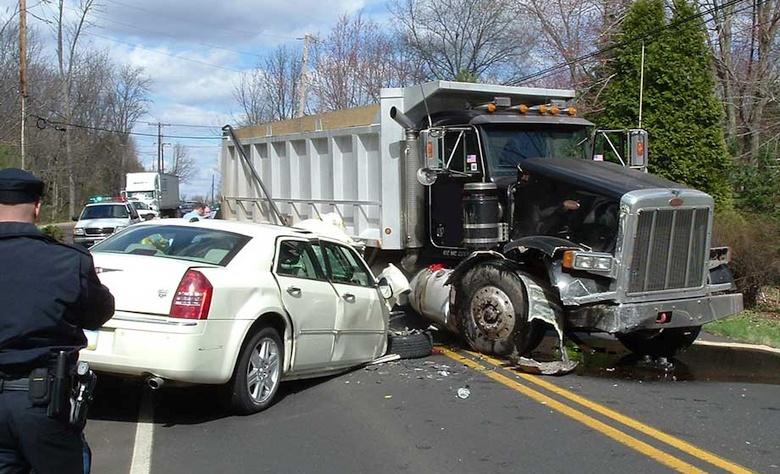 Любая авария, спровоцированная хакерами, будет выглядеть как обычная ошибка водителя (фото: 300cforums.com).