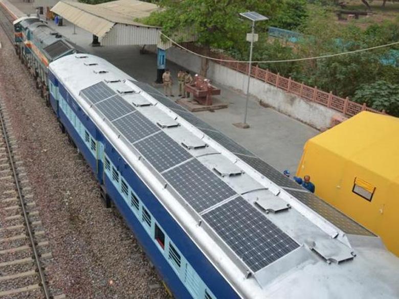 В Индии появятся поезда, использующие солнечную энергию