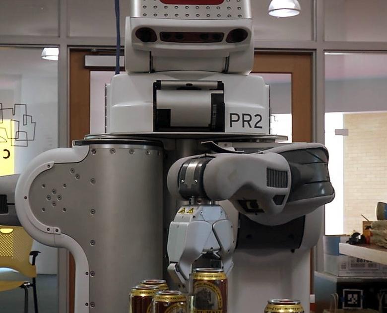 Робот-бармен PR2 (фото: MIT).