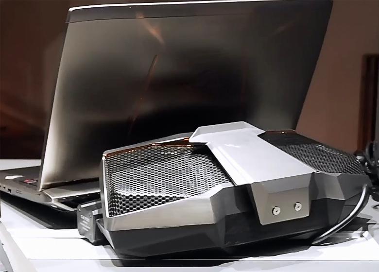 Ноутбук ROG GX700 на стенде ASUS во время IFA'2015 (фото: windowscentral.com).
