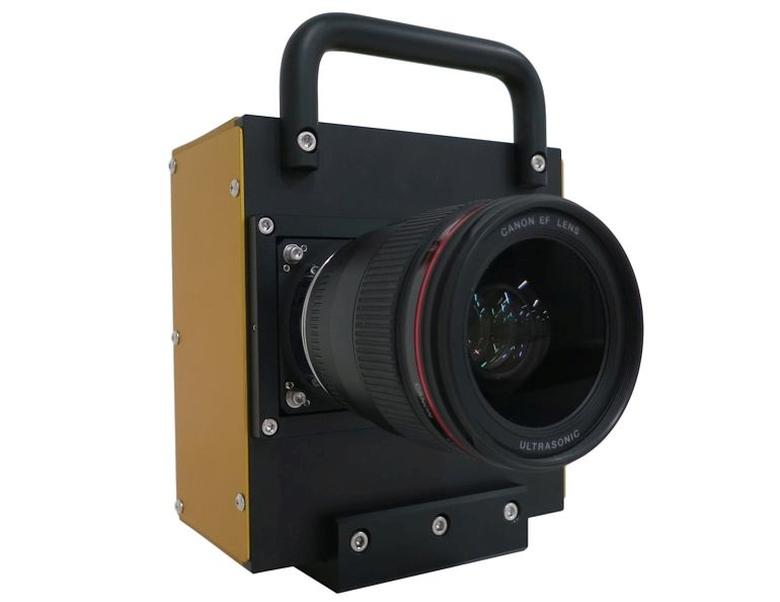 Прототип камеры с матрицей 250 Мп и объективом EF 35 мм f/1.4 USM.