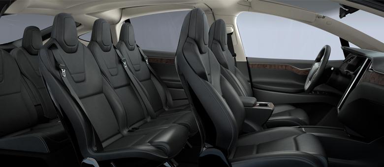 Три ряда сидений в Tesla Model X.