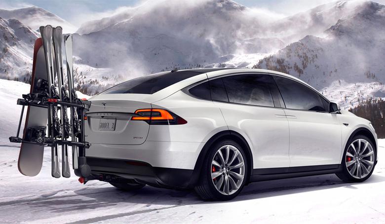 Tesla X - всё своё вожу снаружи.