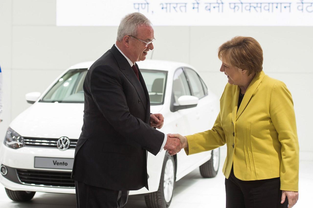 Признаться в систематическом мошенничестве и остаться у руля оказалось невозможным даже для такого ветерана VW, как Мартин Уинтеркорн (только на руководящих ролях он посвятил компании четверть века). Сегодня стало известно об его отставке.