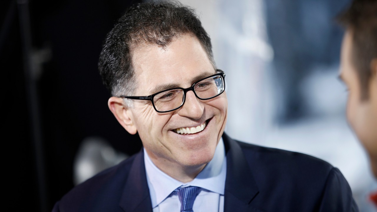 Майкл Делл заметно постарел, но хватки не утратил, как и мечтать не разучился: объединённая компания видится ему «лидером рынка в 2 триллиона долларов».