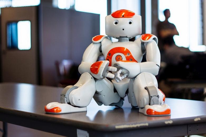Робот Aldebaran NAO с процессором Intel Atom (фото:  Sophia Softky).