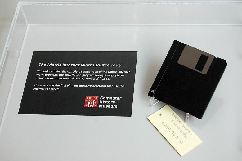 Единственный сетевой червь, который стал музейным экспонатом (фото: flickr.com).