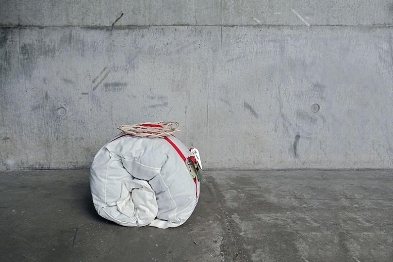 Дизайнерский рюкзак для нелегальных мигрантов
