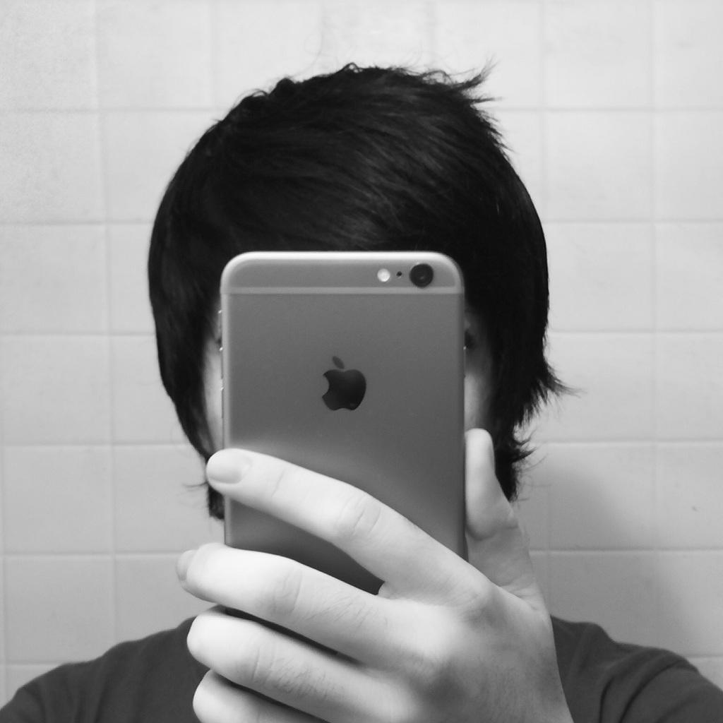 Ремонтировали iPhone не в Apple? Трижды подумайте, прежде чем обновлять операционную систему! Можете остаться без телефона совсем.