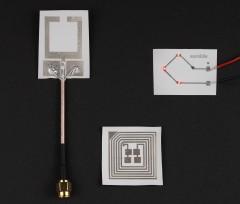 Образцы простейших электронных схем на подложке из флексирамики (фото: eurekite.com).