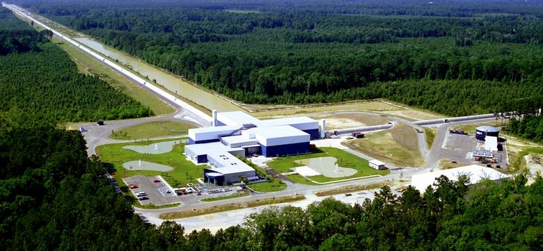 Обсерватория LIGO (фото: caltech.edu).