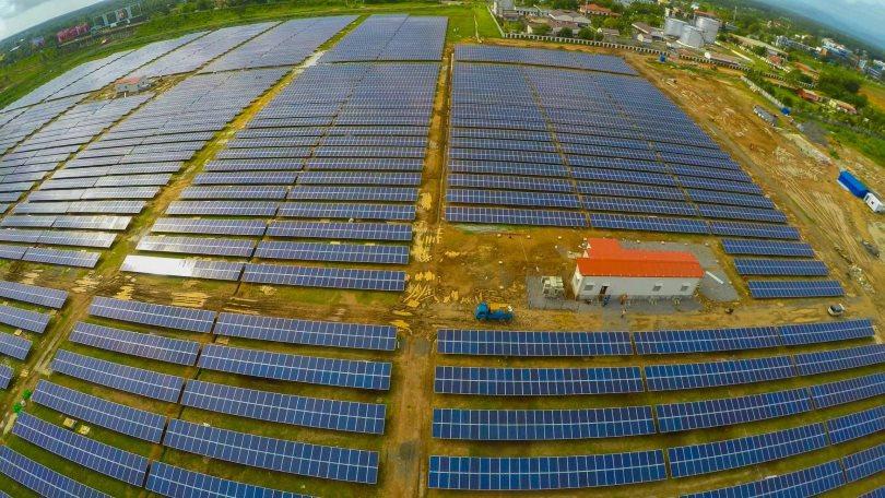 """Индийский аэропорт начал обеспечивать """"зеленой"""" энергией городскую сеть"""