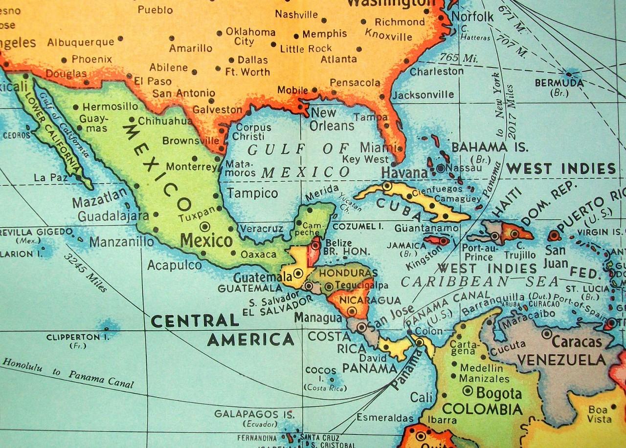 Панама уже упоминается в учебниках истории как родина одного из крупнейших коррупционных скандалов всех времён — «Панамской аферы», случившейся в конце XIX века при строительстве одноимённого канала. И вот новый повод...