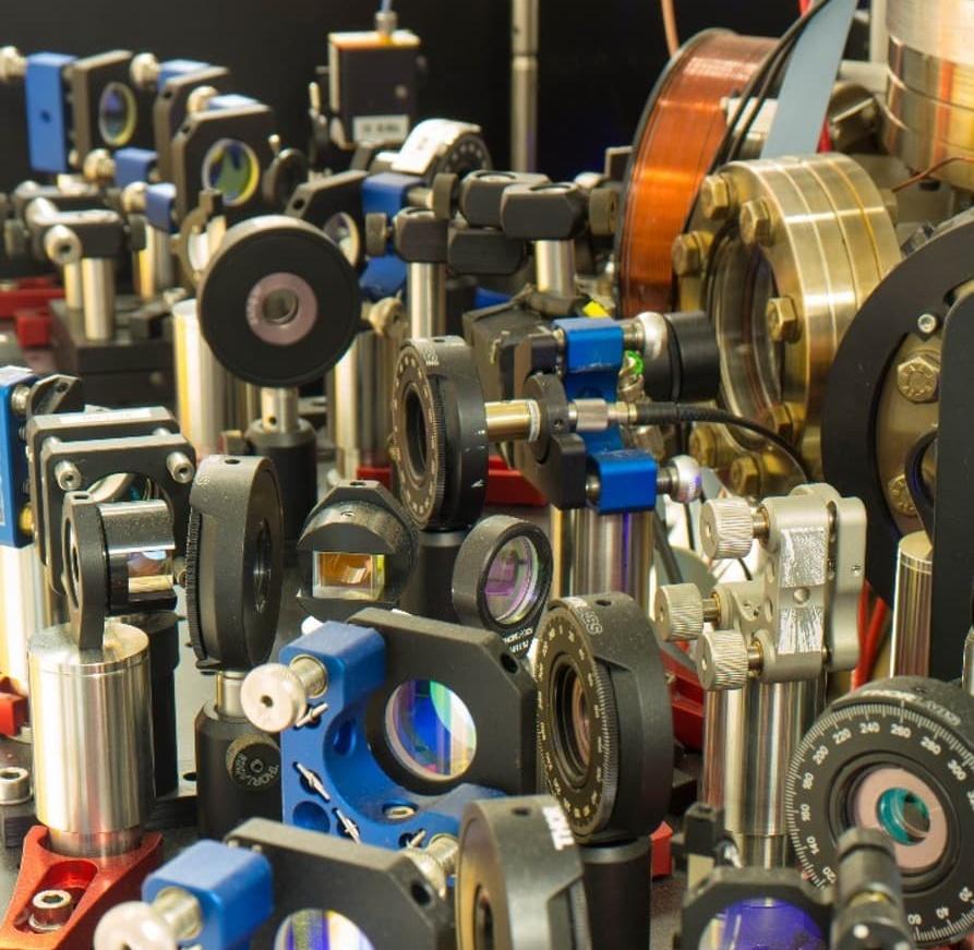 Фрагмент оптической системы лазерного охладителя (фото: Johannes Roßnagel et al.).
