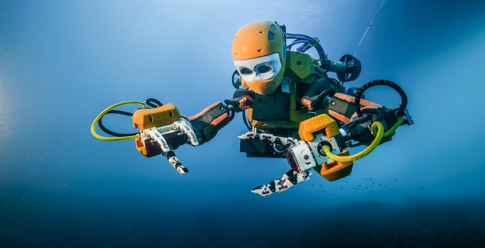 OceanOne - морской аватар (здесь и далее фото: Frederic Osada и Teddy Seguin, DRASSM).