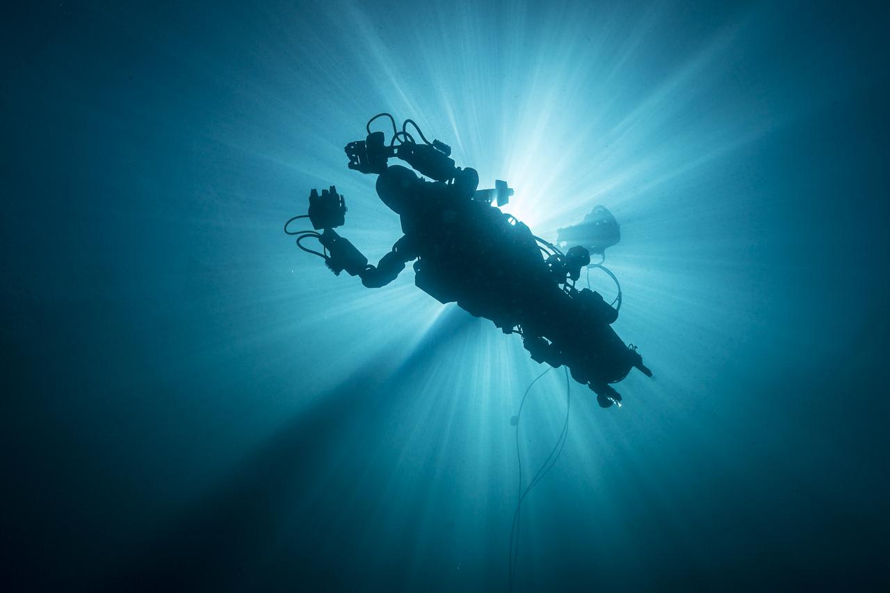 Испытания OceanOne у южных берегов Франции.