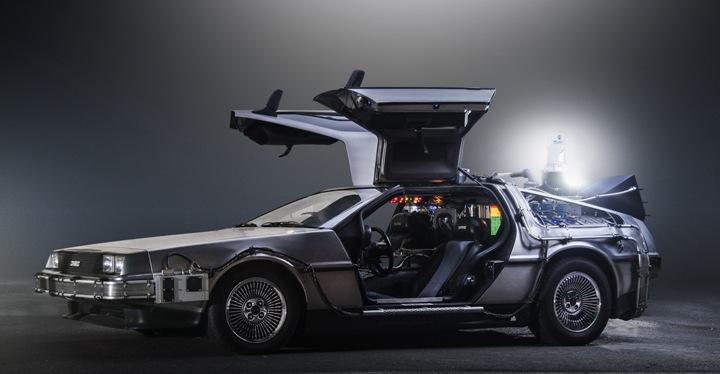 Провалиться в 2005 год отечественная ИТ-отрасль смогла и без DeLorean Time Machine, созданной на основе фантастически изящной, но крайне неудачливой машины...