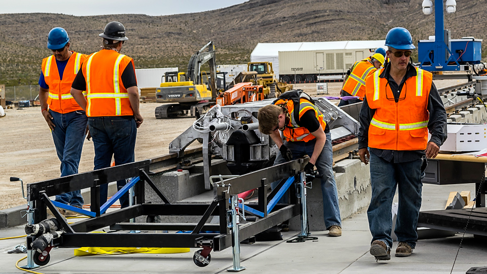 Подготовка к тесту Hyperloop POAT (фото: Joshua Caldwell / Cryptic Butterfly)