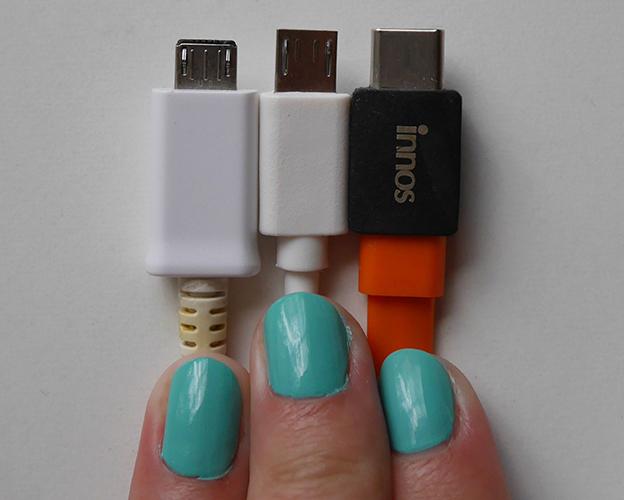Обычный MicroUSB (Samsung), удлиненный MicroUSB (Oukitel K10000), USB Type-C (innos D6000)
