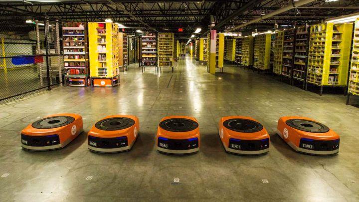 В мире ИТ-бизнеса даже книготорговцы органично произрастают производством роботов-грузчиков...