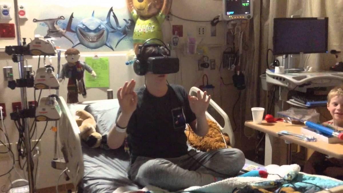 Стэнфордские же психиатры лечат психические расстройства, погружая пациента в мир виртуальной реальности