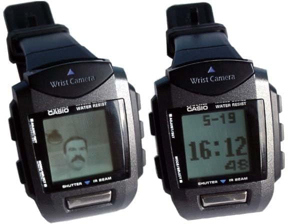 Это не фантастика, часы фотографируют и даже показывают время