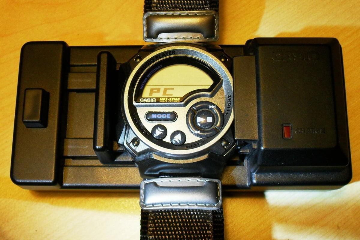 Наручные часы с MP3-плейером - Wrist Audio Player