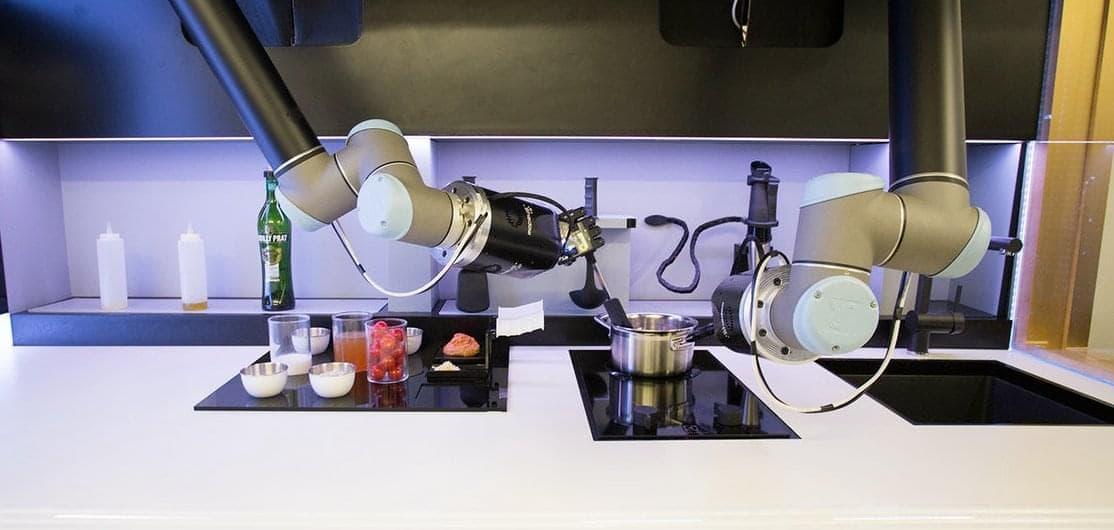 Робот-повар и робот-разносчик – конкуренты или коллеги?