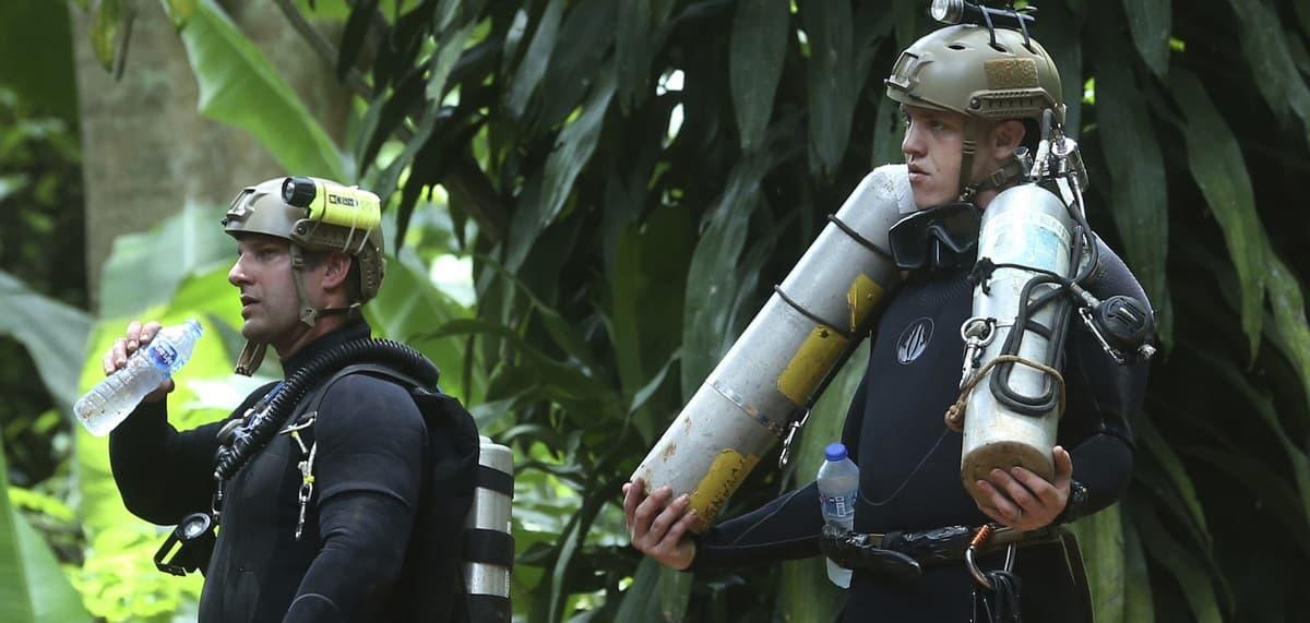 «Технически невозможно». Как спасали детей из затопленной пещеры в Тайланде