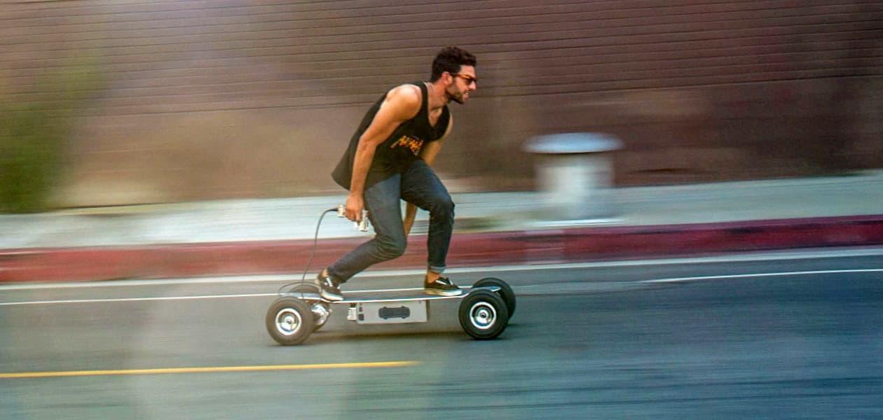 Катаемся по-новому: самые мощные скейтборды с мотором