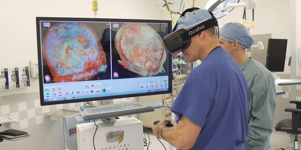 Виртуальная тренировка в хирургии (фото: www.healthysimulation.com)