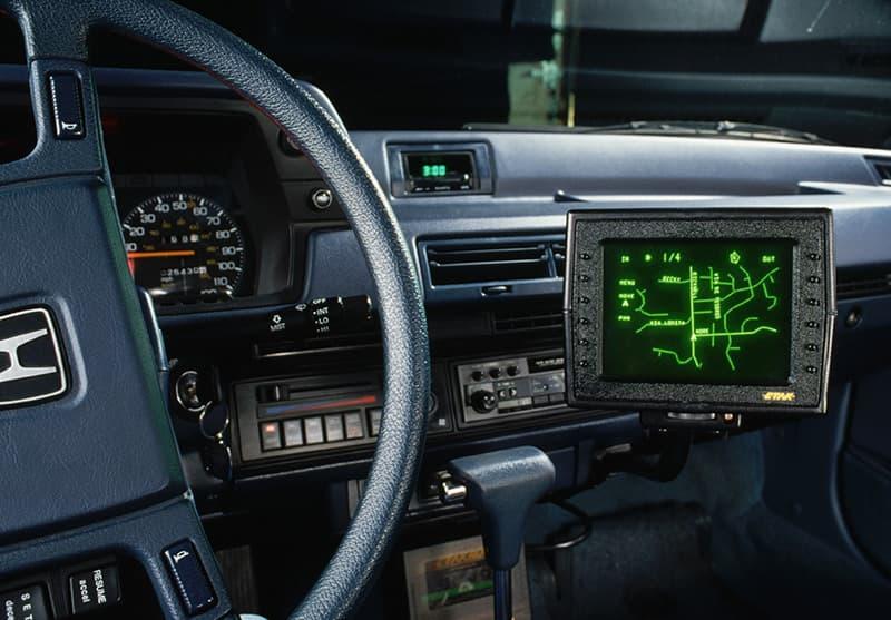 Навигатор Etak Navigator с ЭЛТ дисплеем и картами на кассетах