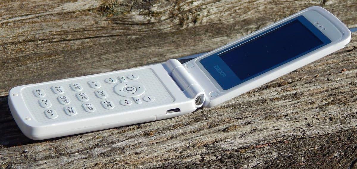 Возвращение телефонов-раскладушек - новый тренд или временное явление?