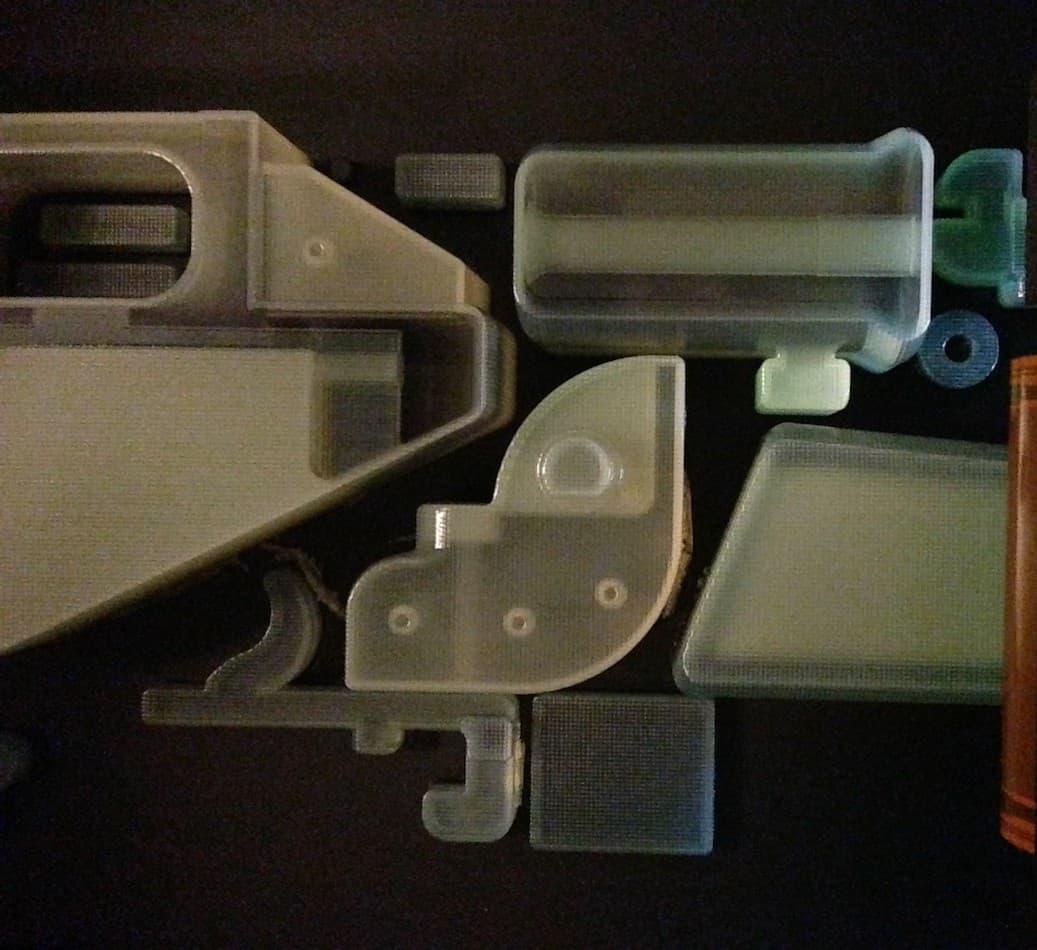 Детали The Liberator, напечатанные, для наглядности, из прозрачного пластика. Фото: Matt Ratto.
