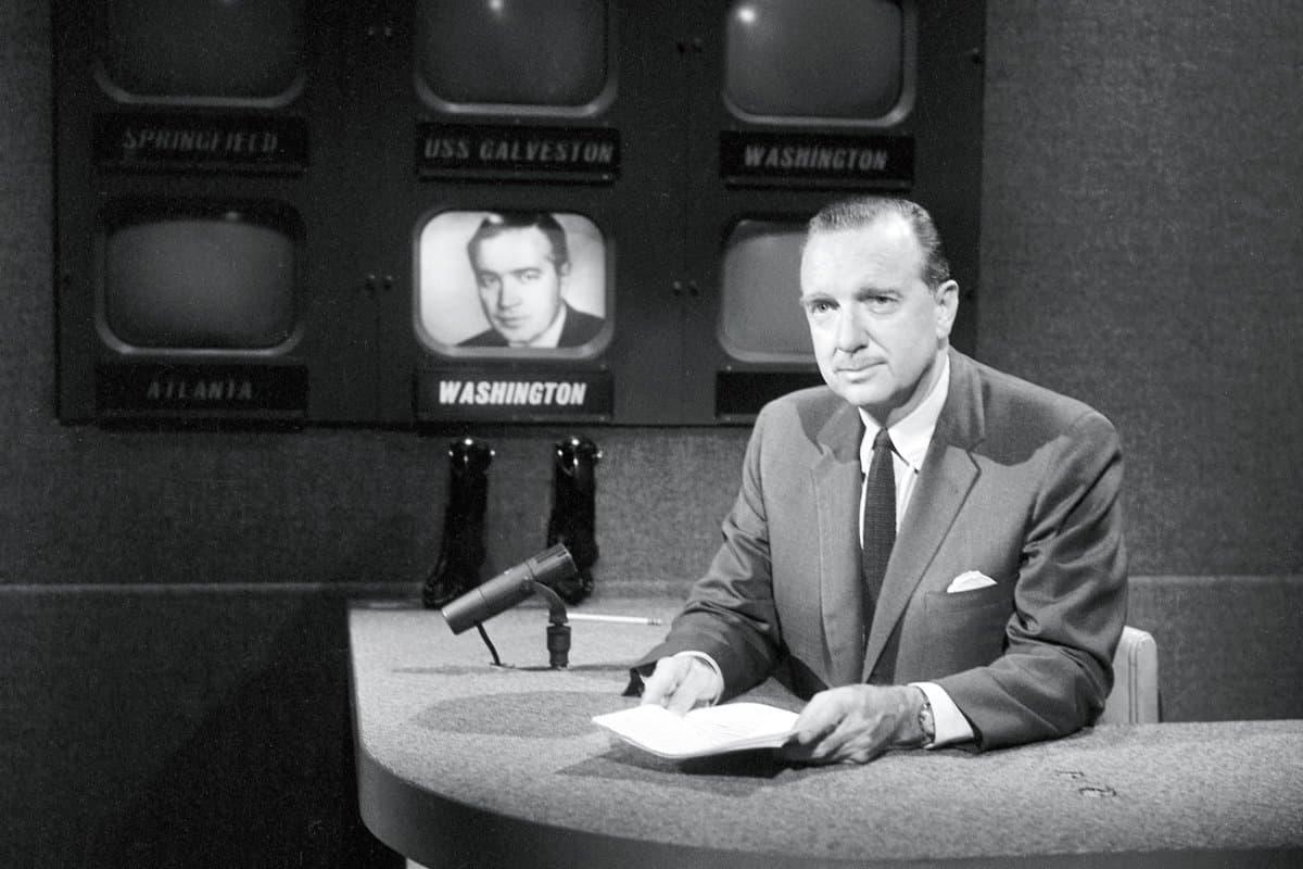 Ведущий CBS Уолтер Кронкайт был человеком, кого смотрела вся Америка и кому американцы 70-х доверяли больше всего – именно его позиция сыграла решающую роль в прекращении войны во Вьетнаме…