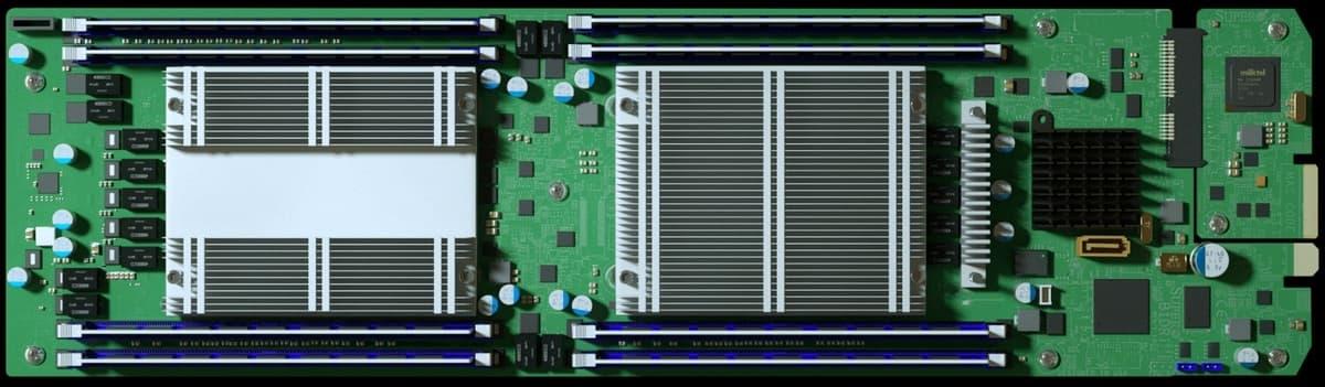 Вот такие платы от китайских субподрядчиков Super Micro Computer использовала в своих серверах (картинка от Bloomberg)