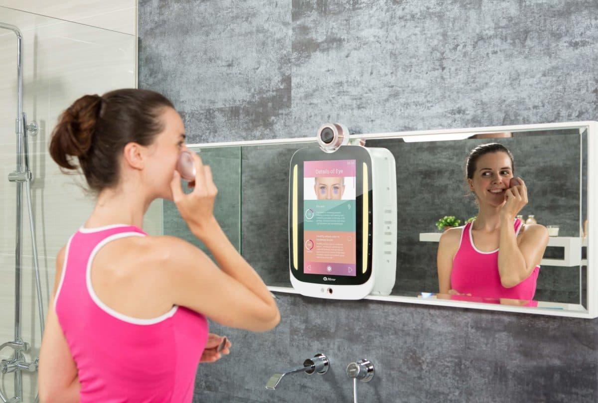 «Свет мой, зеркальце!» – домашний визажист/косметолог HiMirror