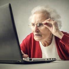 Биткоин-бабушки: криптовалютный майнинг по-сибирски