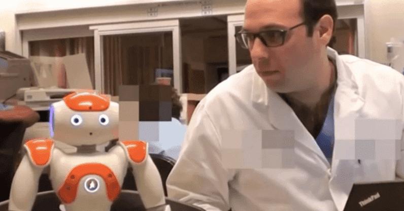 Ученые разработали ИИ-робота, способного ассистировать во время родов
