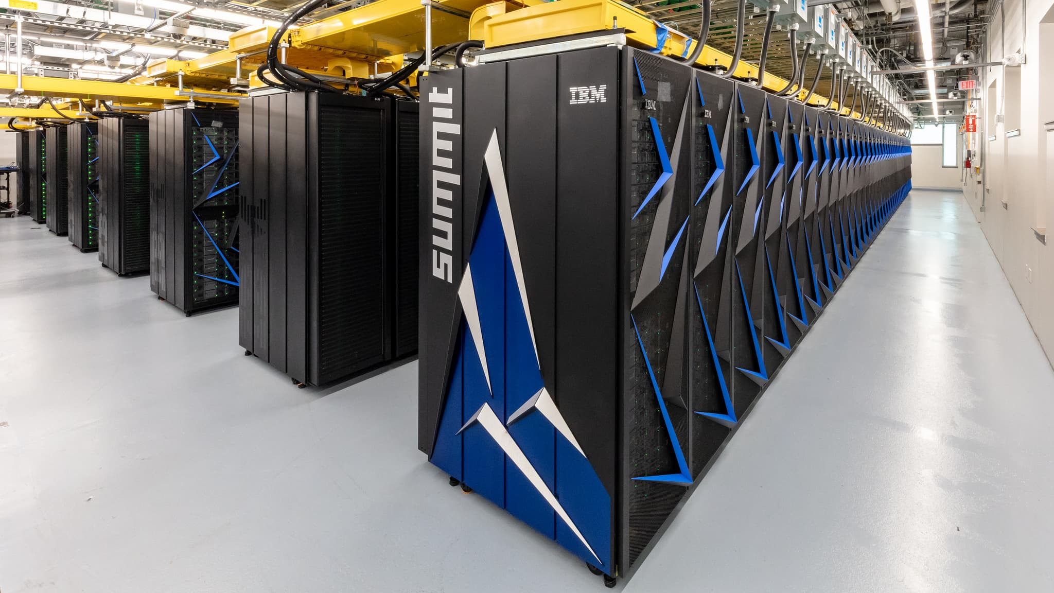 ORNL Launches Summit Supercomputer CC
