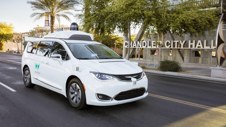 Компания Waymo анонсировала запуск беспилотных такси