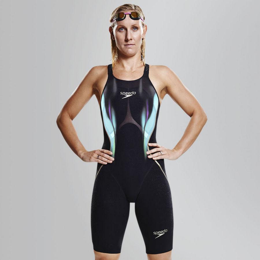 Плавательные костюмы