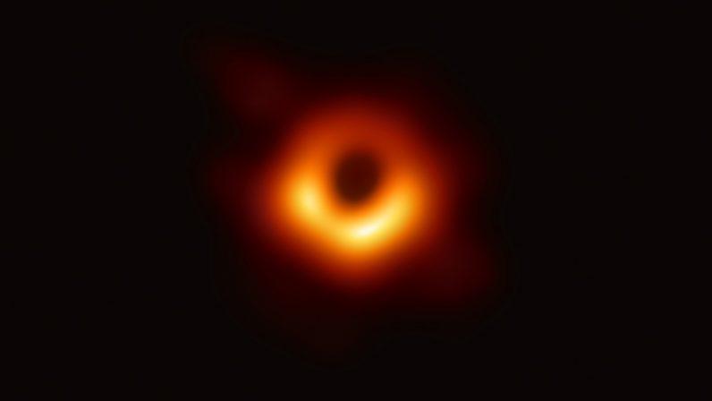 Герой дня: Кэти Боуман – автор фото черной дыры