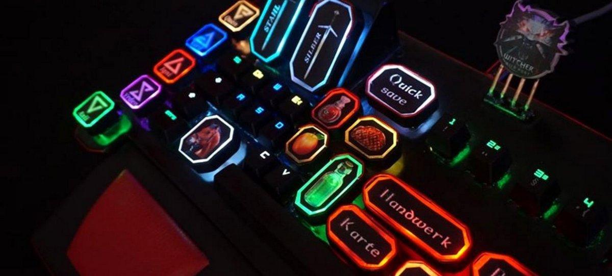 кастомную клавиатуру для Witcher 3