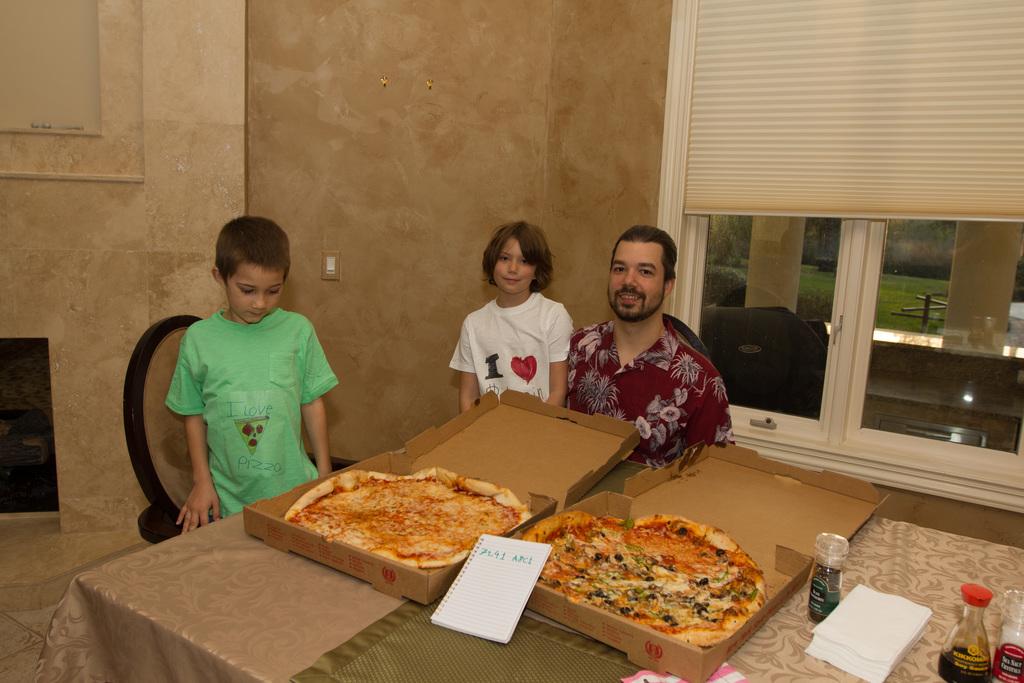 Человек, купивший первую пиццу за биткоины: не только мем, но и пионер майнинга