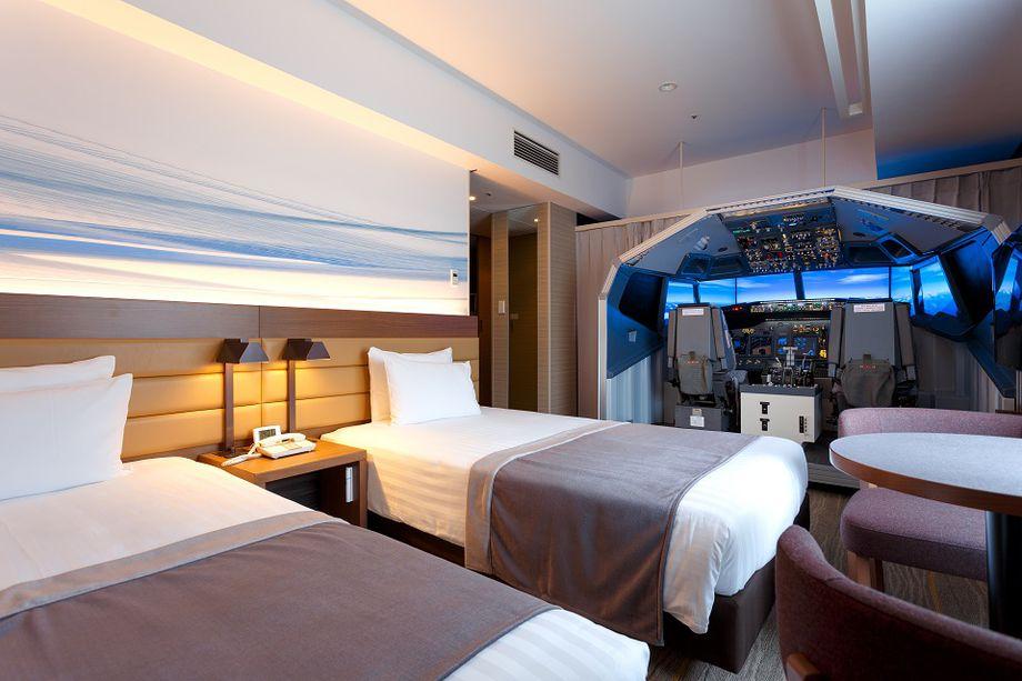 В японской гостинице оборудован номер с авиатренажером