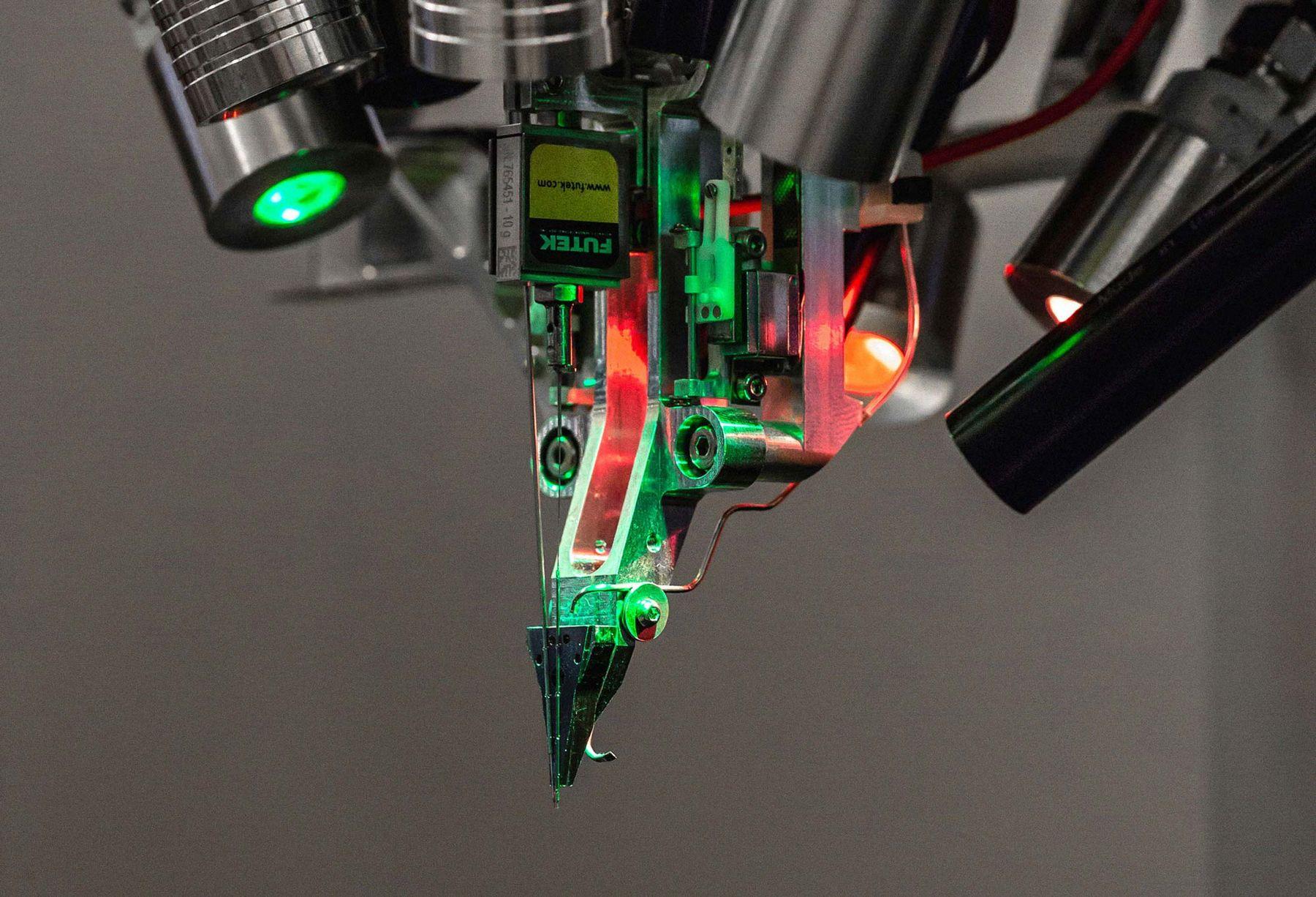 Проект Илона Маска Neuralink может начать испытания на человеке уже в следующем году
