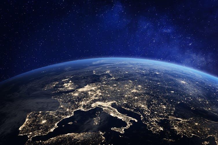Чужие: может ли свет и шум с Земли привлечь внимание из космоса?