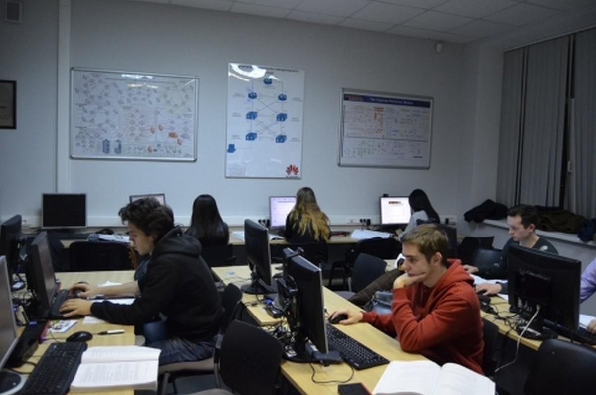 Студентов обучат DPI