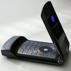 Все любили Motorola RAZR V3 — объясняем почему